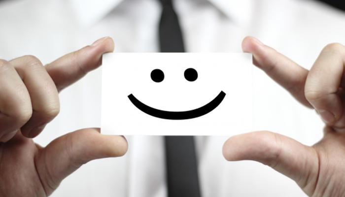 Image result for Mỉm cười với khách hàng \