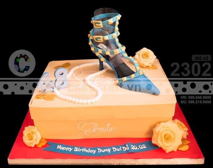 Chiếc bánh kem được làm theo yêu cầu từ một anh khi muốn tặng sinh nhật cô vợ yêu của mình