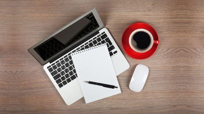 Cộng tác viên viết bài tại nhà