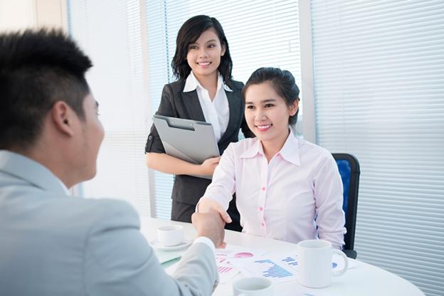 Công việc chính mà nhân viên chăm sóc khách hàng phải thực hiện