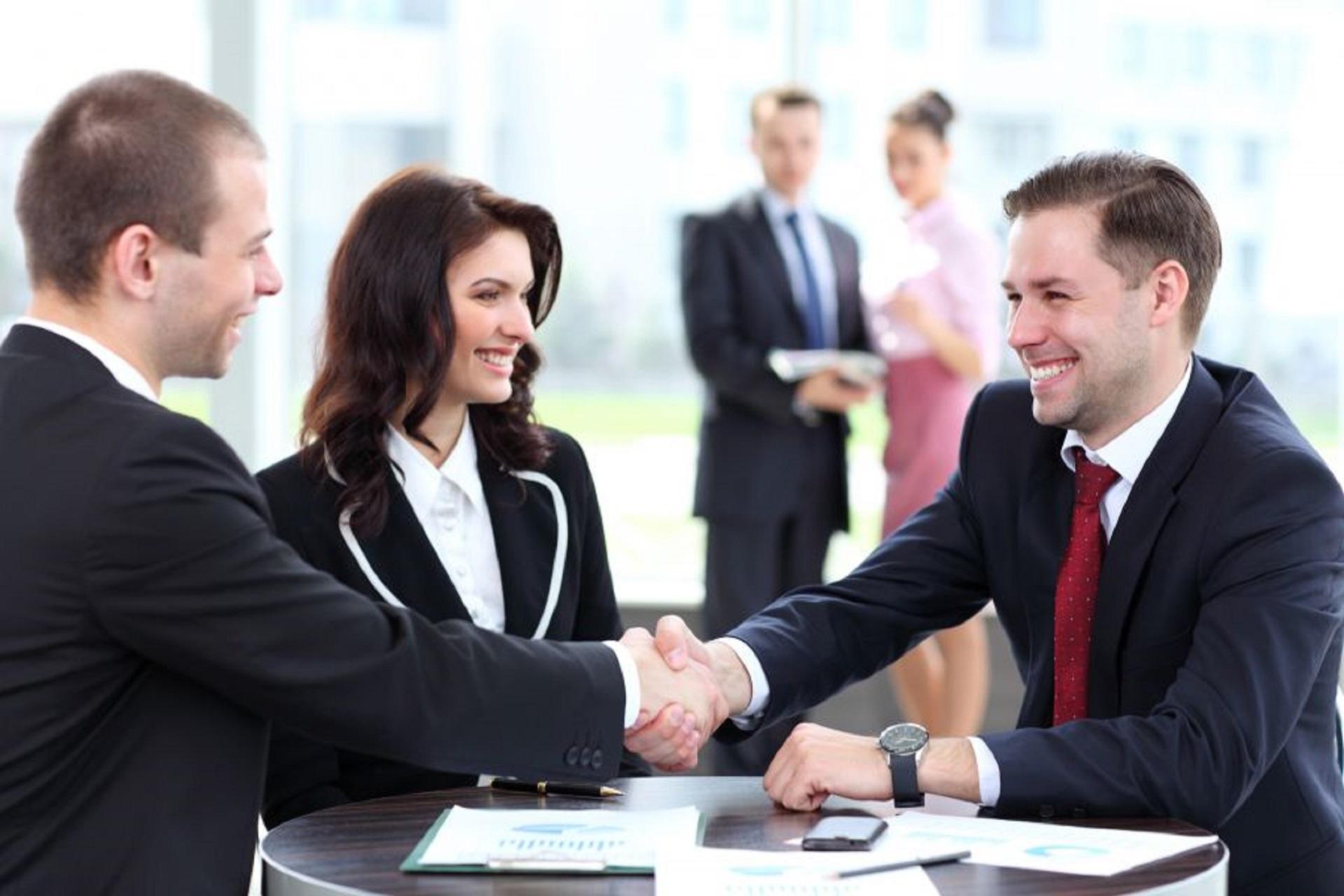 15 cách giao tiếp với khách hàng thông minh người kinh doanh cần biết