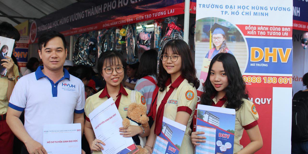 Ngày hội hướng nghiệp sinh viên cả nước