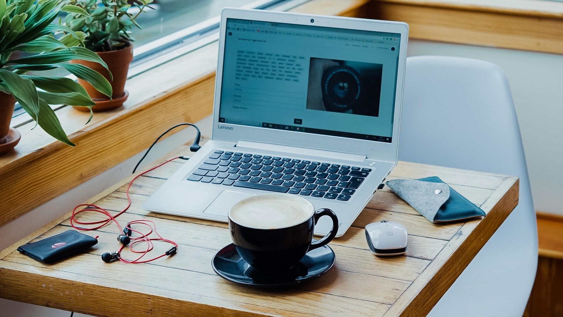 Websitecủa doanh nghiệp ý tưởng kinh doanh sẽ là xu hướng hốt bạc