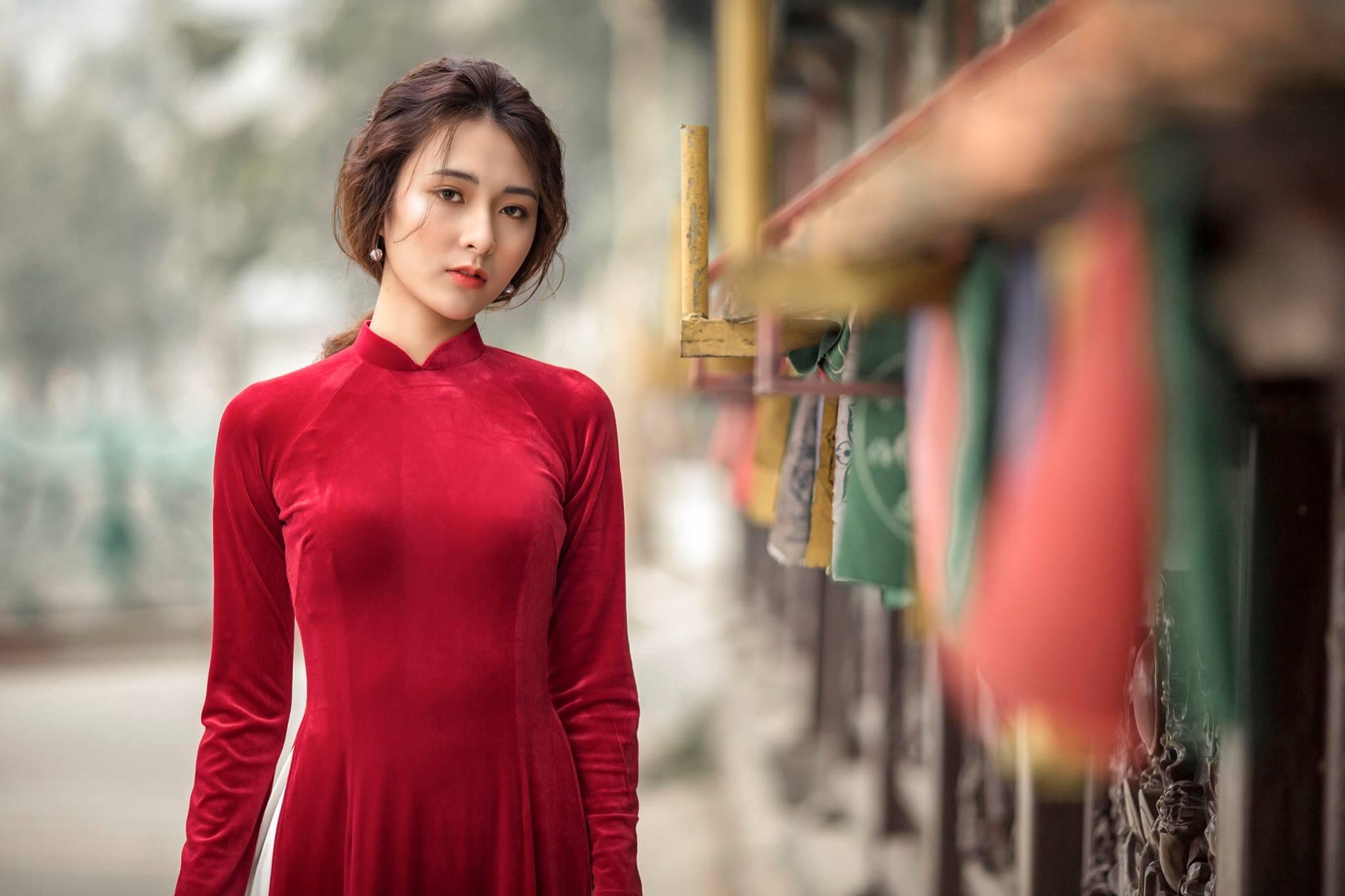 Những mẫu áo dài sành điệu cho nàng diện Tết - BlogAnChoi