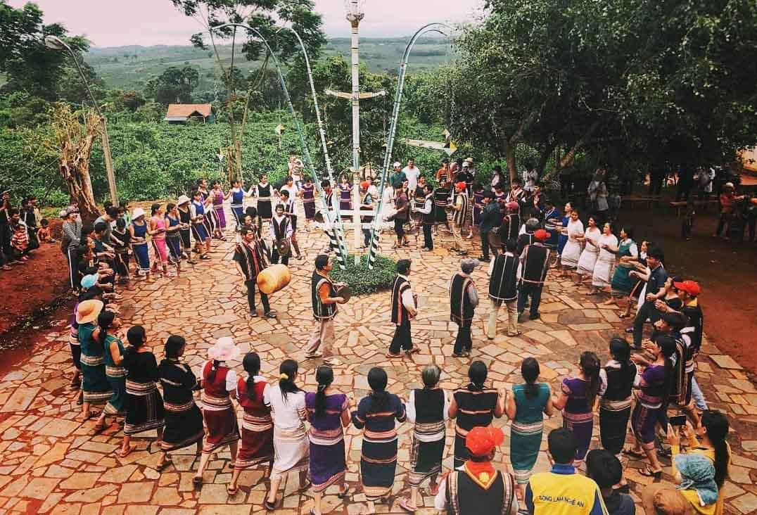 Các lễ hội, phong tục tập quán đặc trưng các dân tộc Việt Nam - Vntrip.vn