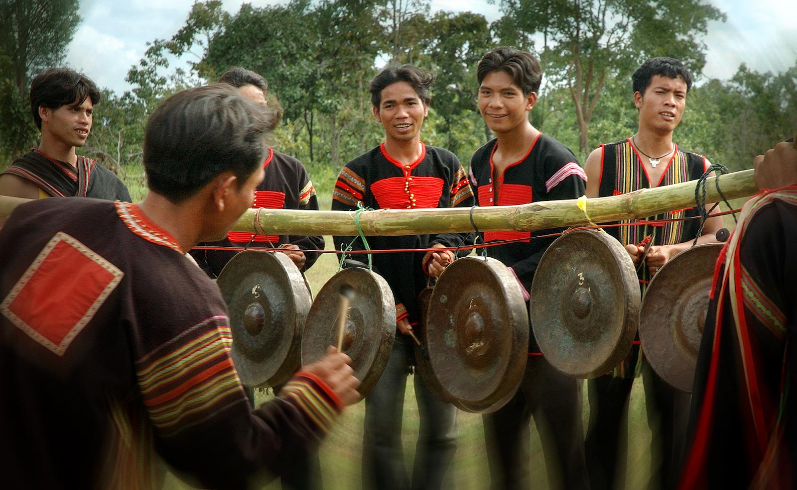 Một số nét đặc trưng và tiêu biểu nhất của văn hóa Ê Đê - Vietnam Tours 24/7